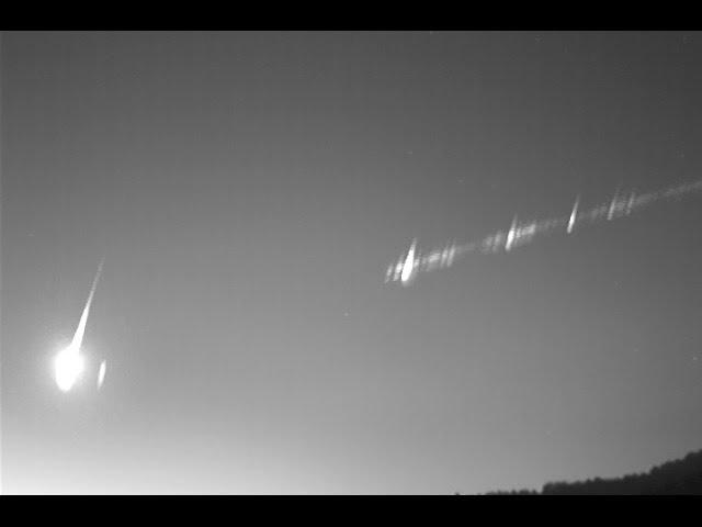 Timelapse captures spectacular Perseid meteor shower, Spain  Sddefault