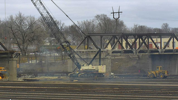 St. Anthony Parkway bridge truss 1 removed