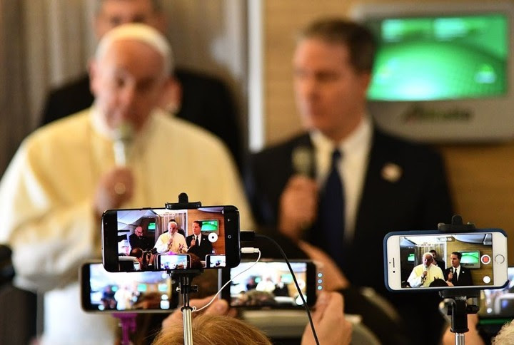 """""""El rol de expresar la línea del actual pontificado fue asumido, en realidad, por otro órgano de prensa, """"La Civiltà Cattolica"""", dirigida por el jesuita Antonio Spadaro"""" (AFP)."""