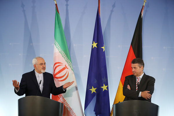 Iranian Foreign Minister Mohammad Javad Zarif and German Foreign Minister Sigmar Gabriel speak to the media on June 27 in Berlin. (Sean Gallup/Getty Images)</p>