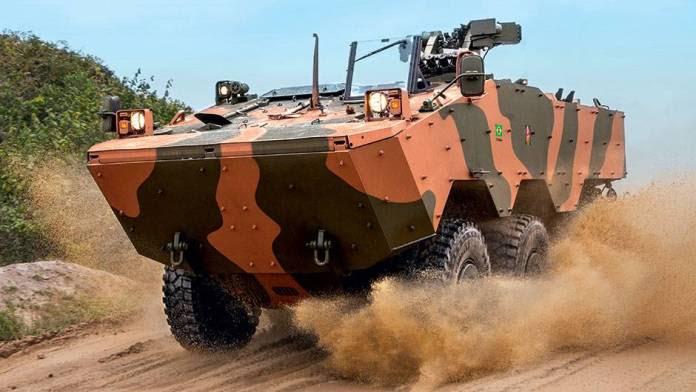 Recortes presupuestarios de defensa en Brasil afectan proyectos estratégicos