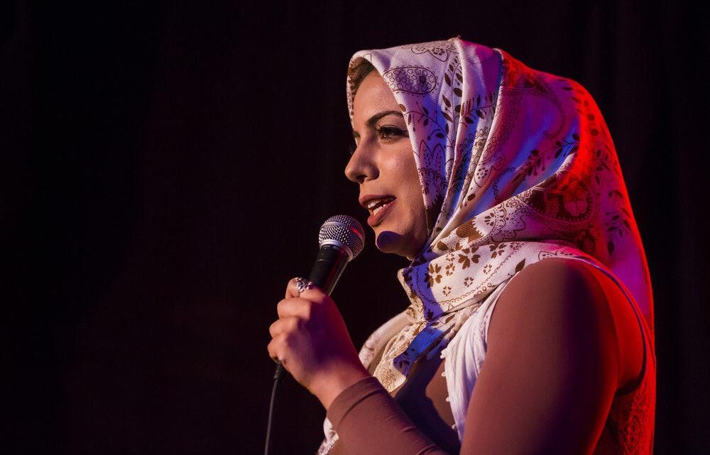 Salma Hindy, comedian