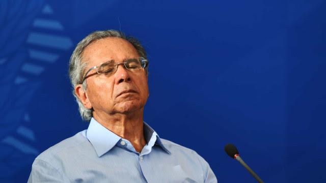 Guedes tenta esconder prejuízo de fundos de pensão, diz Procuradoria