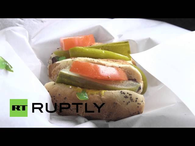 Chicago Hot dog stand mocks Trump's 'size' with 3-inch footlongs  Sddefault