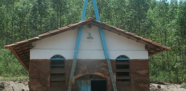 Igreja de Nossa Senhora Aparecida, no povoado de Ponte do Gama, em Mariana (MG), perdeu todos os móveis e imagens com a enxurrada de lama
