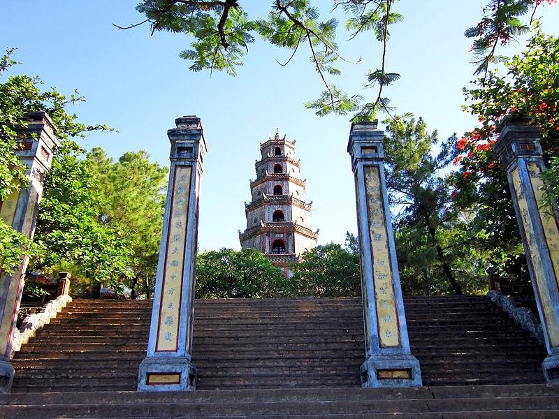 File:Chùa Thiên Mụ ở Huế.jpg