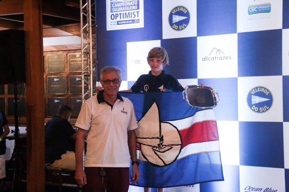 Felipe Strassburger garantiu o 2º lugar na categoria Mirim no 41º Campeonato Sul-Brasileiro de Optimist