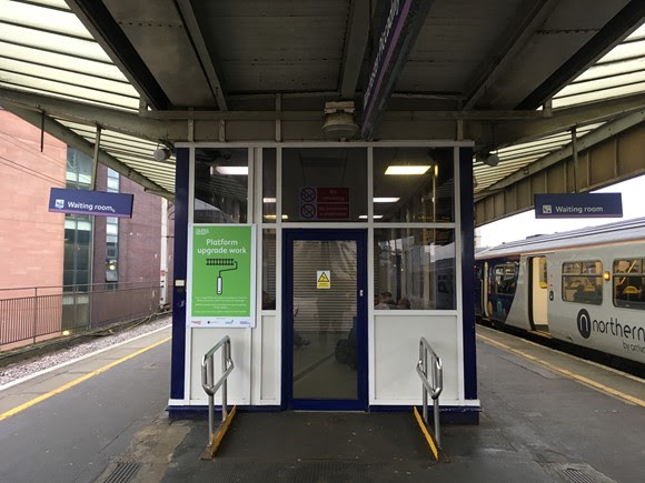 More space for passengers on Manchester Piccadilly station platforms
