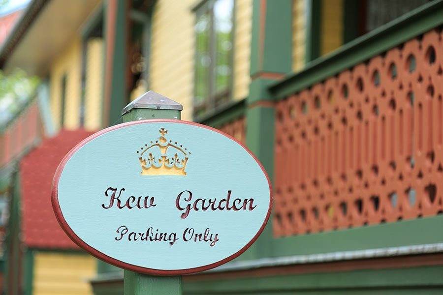 Image of the sign for the private parking for Kew Garden