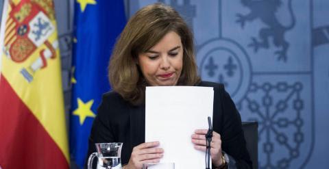 La vicepresidenta Soraya Sáenz de Santamaría, en la rueda de prensa posterior al Consejo de Ministros. EFE