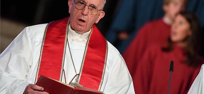 Ferenc pápa újabb történelmi lépést tett és okos embernek nevezte Luther Mártont
