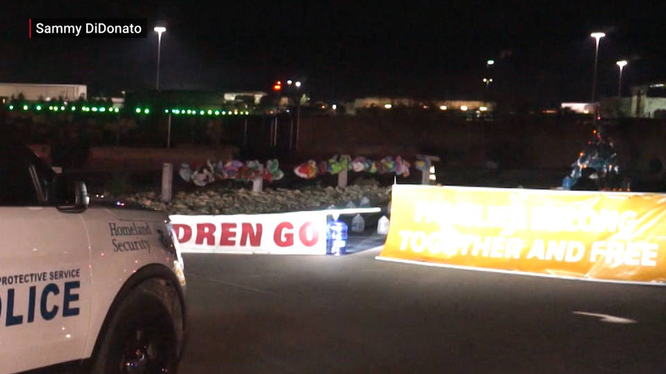 H4 activists block tornillo youth immigration jail