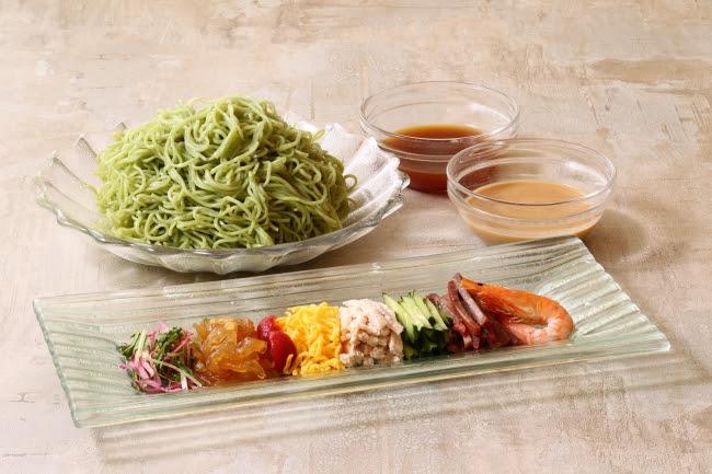 翡翠冷麺(ひすいれいめん)