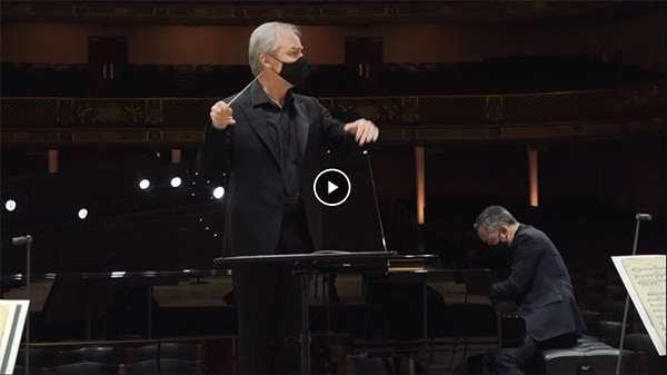 [David Robertson and Inon Barnatan perform the Ravel Piano Concerto in G]