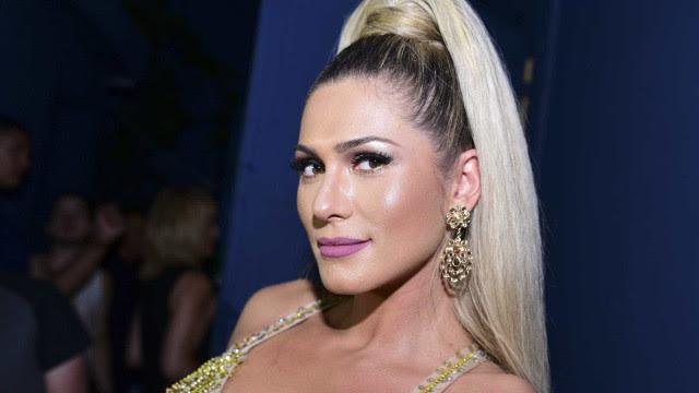 Lívia Andrade se declara solteira e diz que nunca foi amante de ninguém