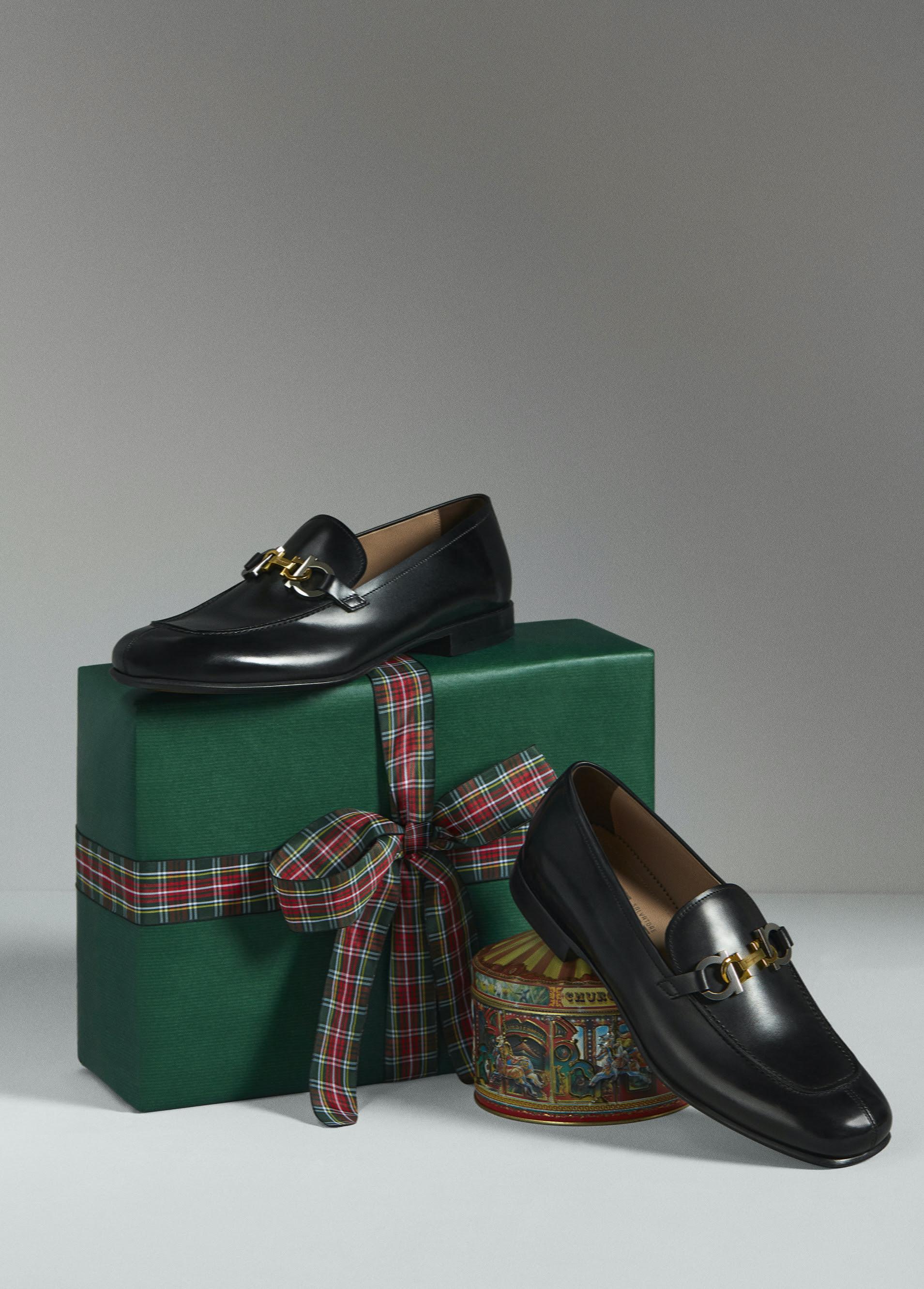 59fe9bfc 74e4 4932 afef cbe2cd00824f - Salvatore Ferragamo presenta su colección Holiday 2020