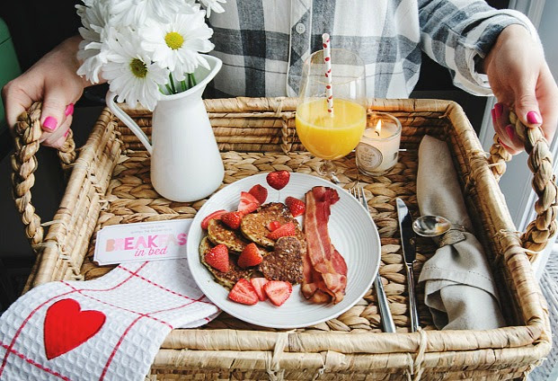 breakfast-in-bed-valetines-day-recipe-home-outfitters-rose-city-style-guide-canadian-blogger-lifestyle-fashion-style-ontario-windsor-