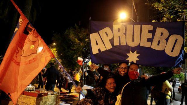 Plebiscito histórico: Chile aprueba por abrumadora mayoría cambiar la  Constitución de Pinochet: ¿qué pasa ahora y por qué es un hito mundial? -  BBC News Mundo