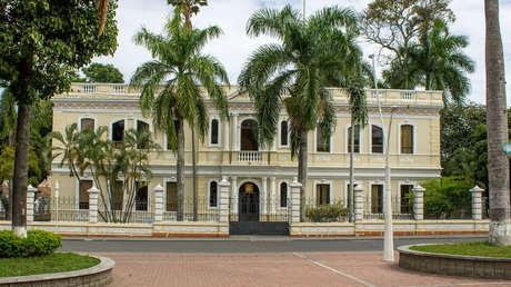 Una violenta jornada en la ciudad colombiana de Tuluá deja un joven fallecido y el Palacio de Justicia incendiado