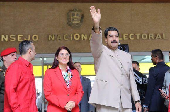 Maduro en la sede del Consejo Nacional Electora. Foto: @PresidencialVen/ Twitter.