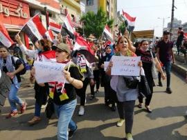 """Профсоюзы Ирака: """"Мы хотим хлеба, а не пули"""""""