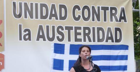 Panayoya Maniou, miembro de Syriza, interviene en el acto. JC