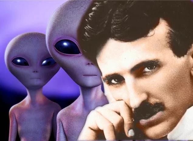 Nikola Tesla uzaydaki hayatın varlığı ile de yakından ilgilenmiş. Dünya'da ilk defa 1899 yılının Mart ayında kendi laboratuvarından uzaya ses dalgaları göndermiştir.