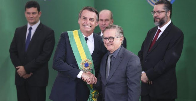 Toma de posesión del exministro de educación, Ricardo Vélez Rodríguez, cesado este lunes 8 de abril.   Valter Campanato/ Agência-Brasil