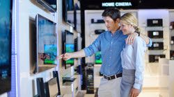 couple tv shopping