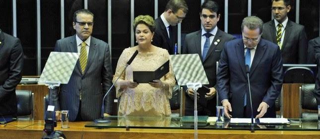 A presidente reeleita Dilma Rousseff discursa durante cerimônia no plenário do Congresso Nacional  (Foto: Laycer Tomaz / Câmara dos Deputados)