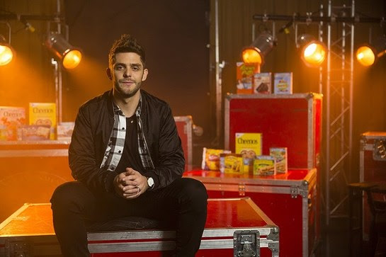 Thomas Rhett raises awareness for hunger