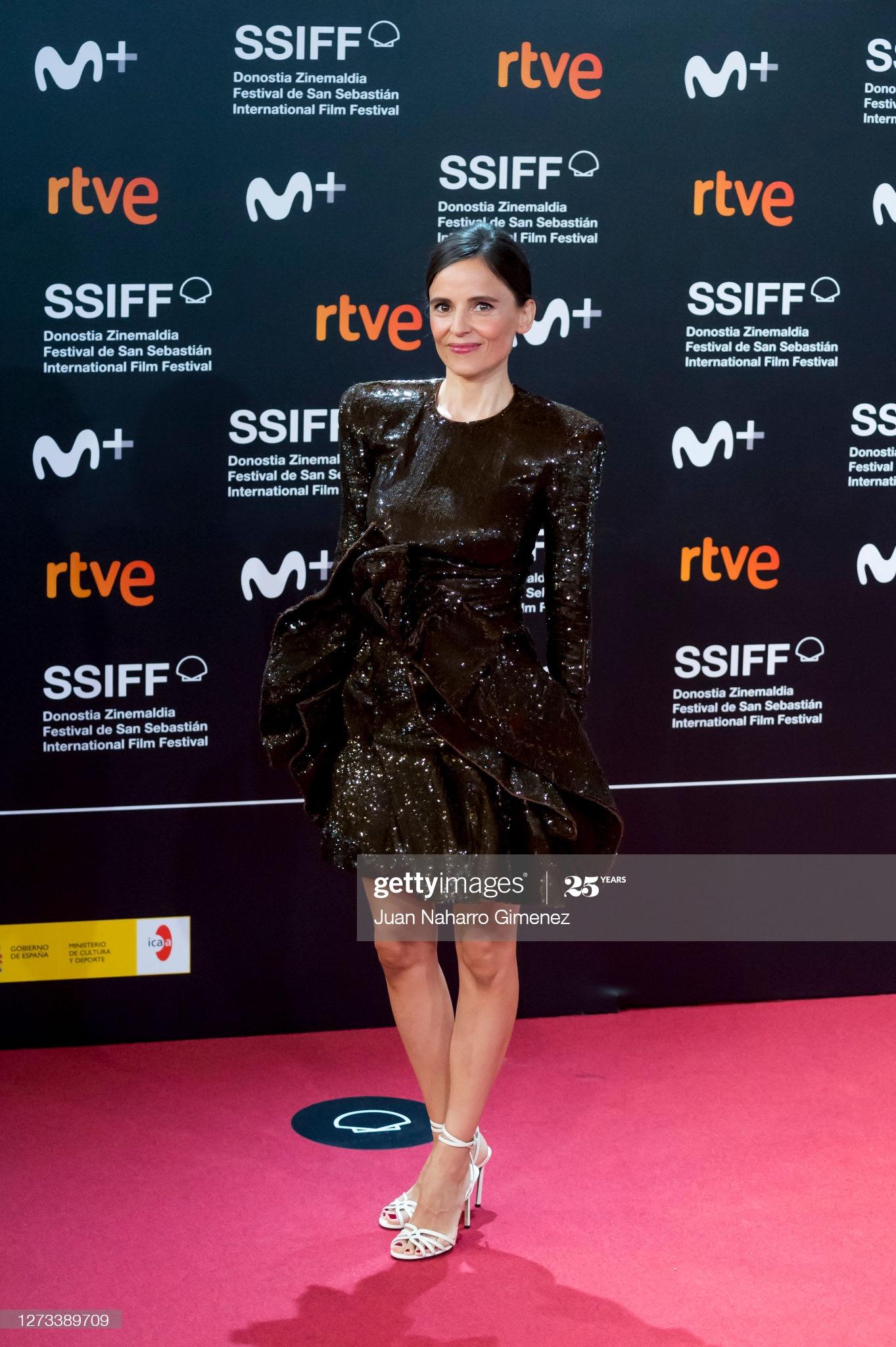 09f31bb1 49ad 4644 8a25 25316af3e7fa - Festival de San Sebastián: Todas las celebrities que han lucido Jimmy Choo y Elisabetta Franchi en la alfombra roja