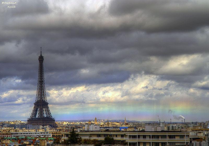 http://twistedsifter.com/2013/03/horizon-rainbow-in-paris/