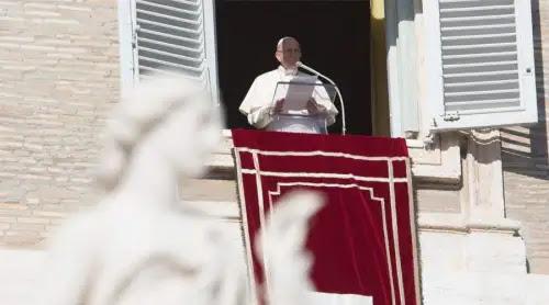 El Bautismo, carné de identidad que nos permite perdonar a quien nos ofende, dice el Papa