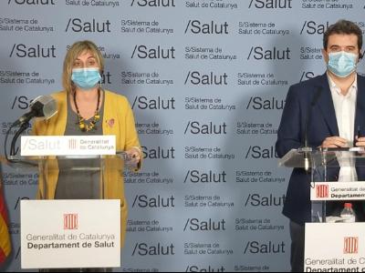 La consellera de Salut, Alba Vergés, i el director del CatSalut, Adrià Comella, durant la roda de premsa