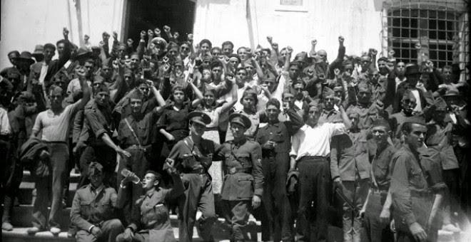 Milicianos y militares leales a la II República