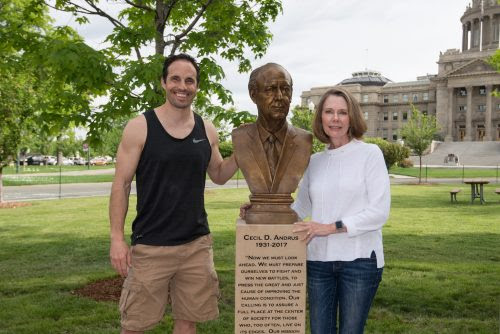 picture of Ben Victor with Andrus statue