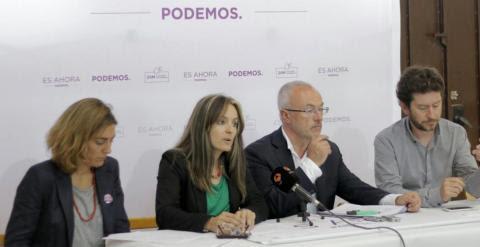 Los candidatos de Podemos durante la presentación de su modelo turístico en Valencia. -PODEMOS