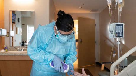 EE.UU. supera los 18 millones de casos de coronavirus