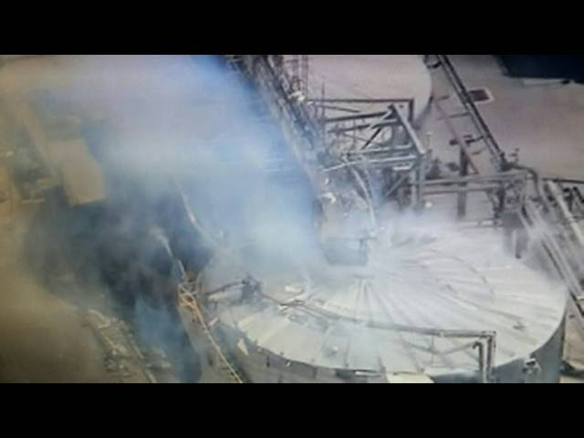 Explosion Rocks California's Largest Oil Refinery, Releasing Plume of Toxic Smoke  Sddefault