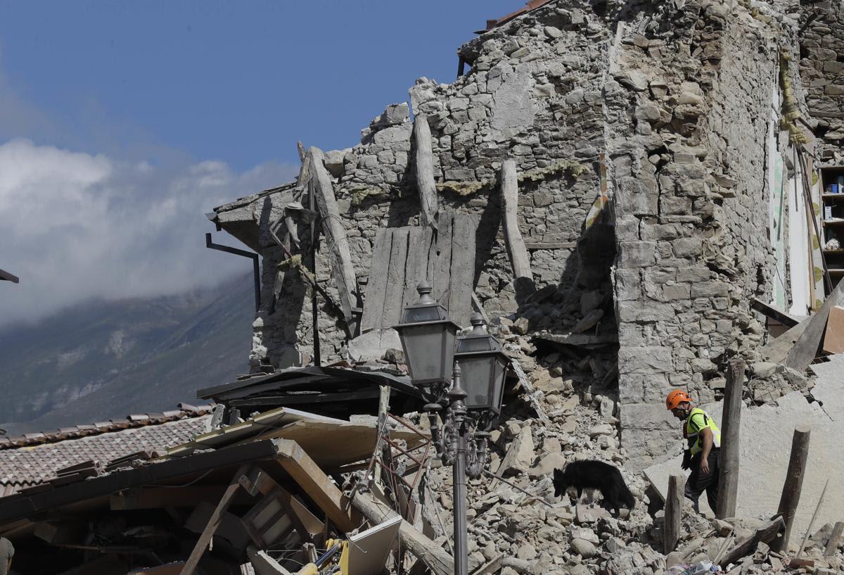 0fefa507b3af4016b8502d34ba5a66e5 0fefa507b3af4016b8502d34ba5a66e5 0 - A 6.2 earthquake rattles Italy