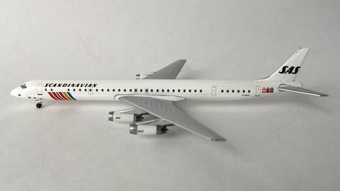 AC419748 | Aero Classics 1:400 | DC-8-63 SAS LN-MOF