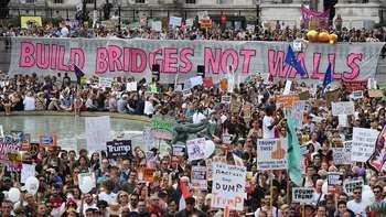 2018 10 21 04 build bridges not walls