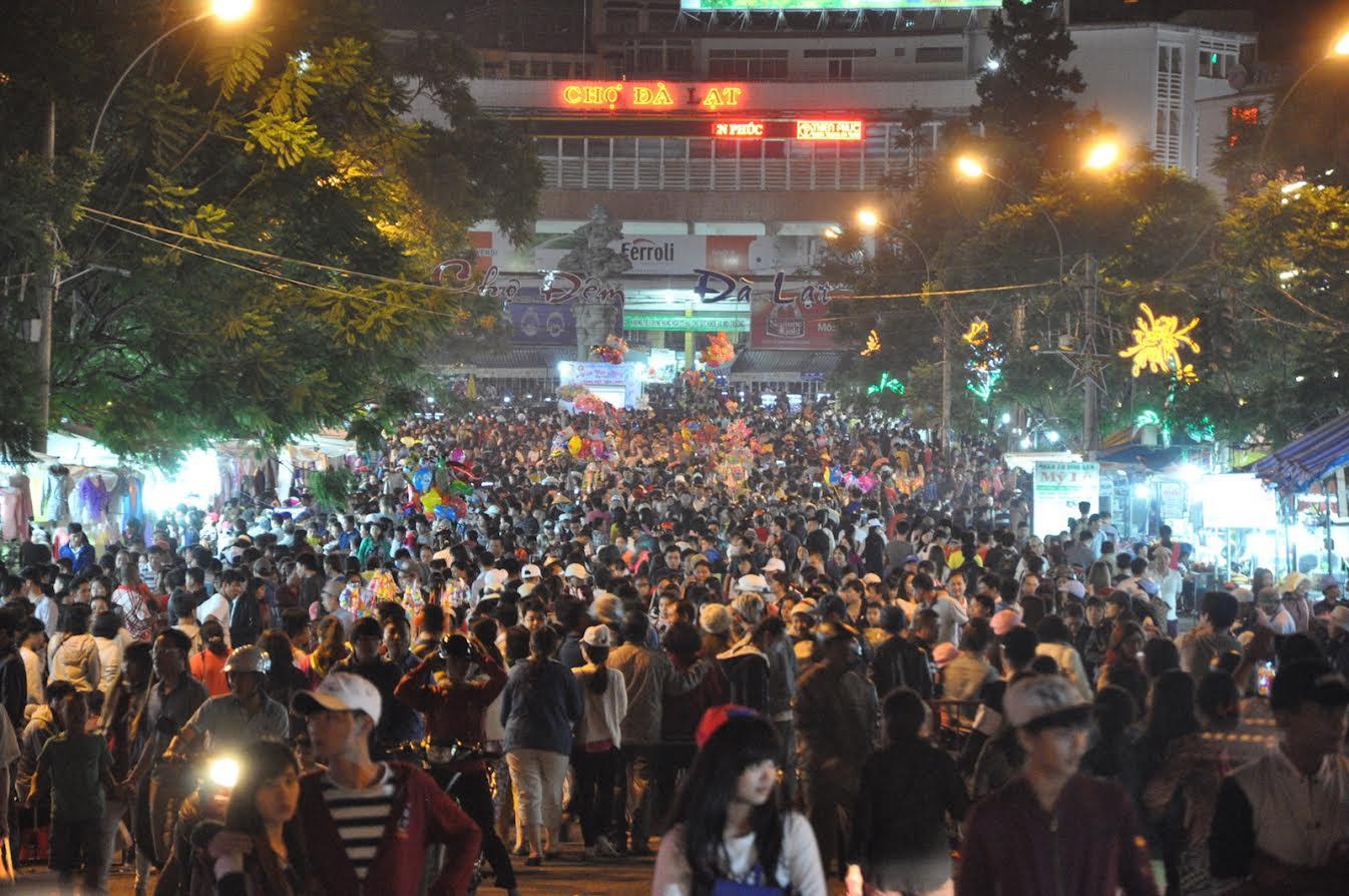 Chợ đêm Đà Lạt: Khi những người kém văn hóa làm du lịch (Đoàn Hưng)