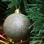christmas-tree-bauble-decoration-1480978351ouy