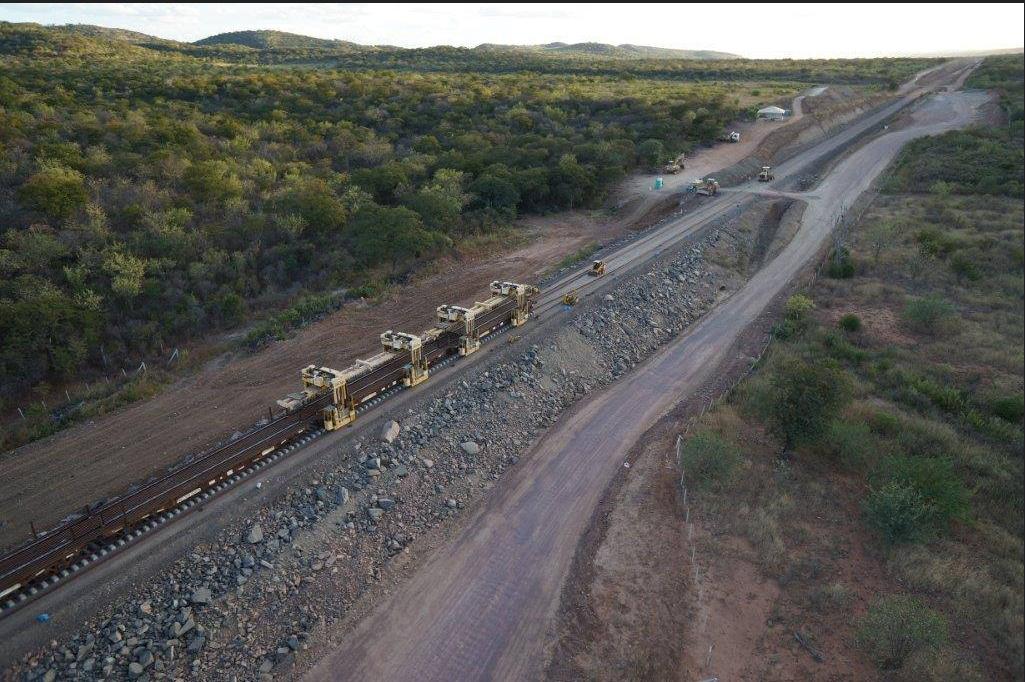 A Ferrovia Transnordestina abrange os Estados do Piauí, Ceará e Pernambuco