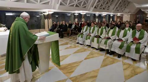 Ante la humildad del apóstol de Cristo, el demonio escapa, asegura el Papa Francisco