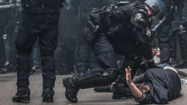 Senado aprova projeto para punir abordagem policial motivada por preconceito