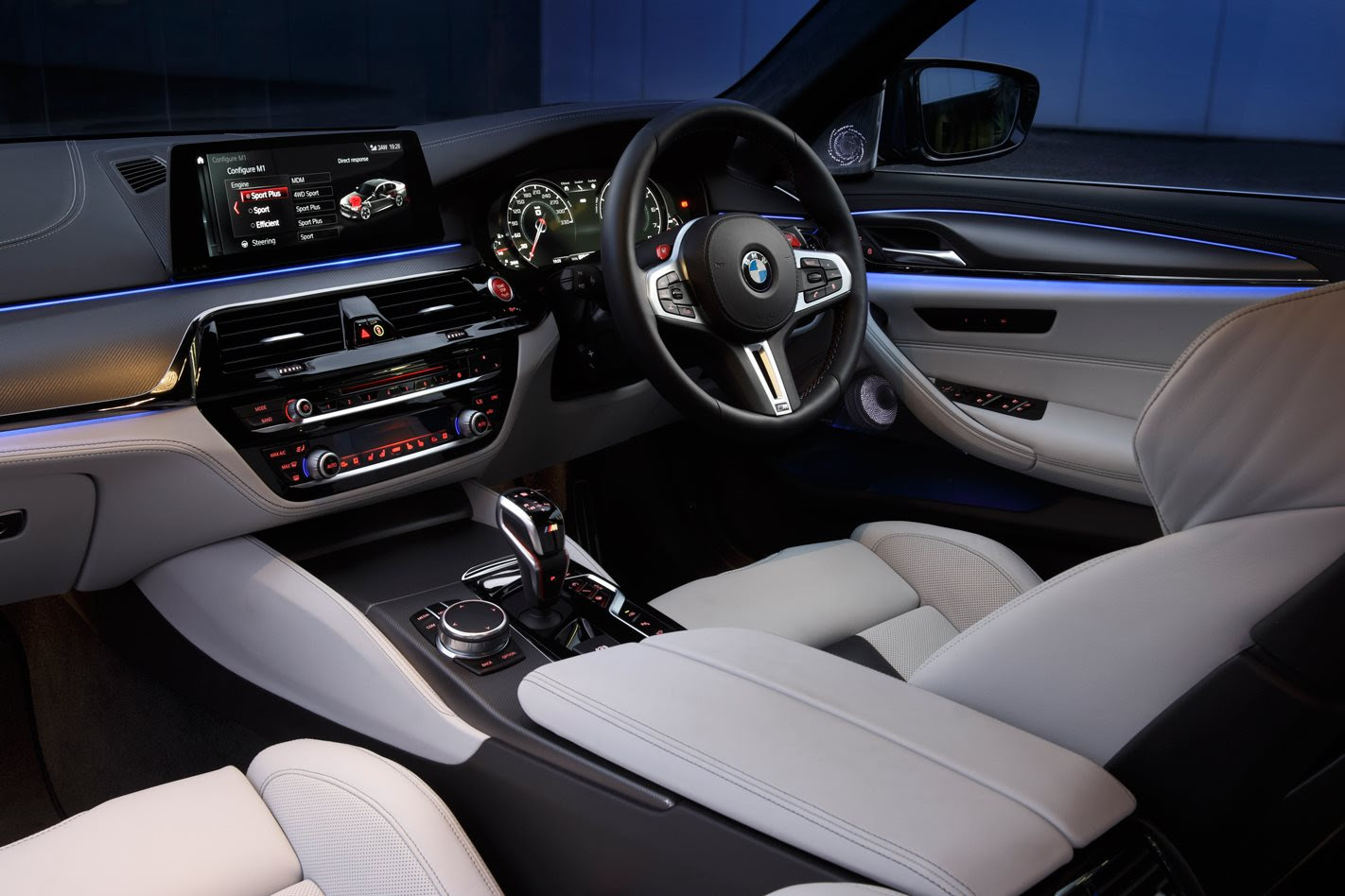 2018 BMW F90 M5