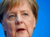 La funcionaria alemana hizo el anuncio en una conferencia de prensa luego de las elecciones del estado de Hesse en Berlín.